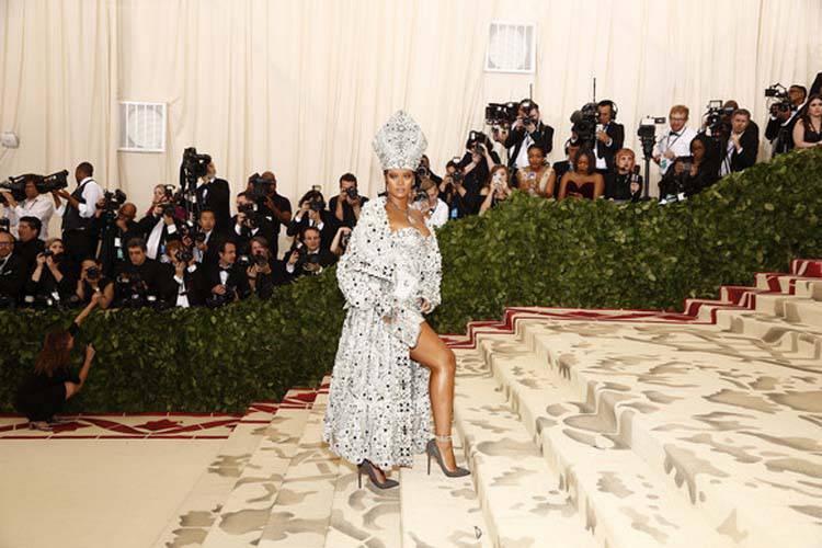 El Polémico Look de Rihanna en el Met Gala