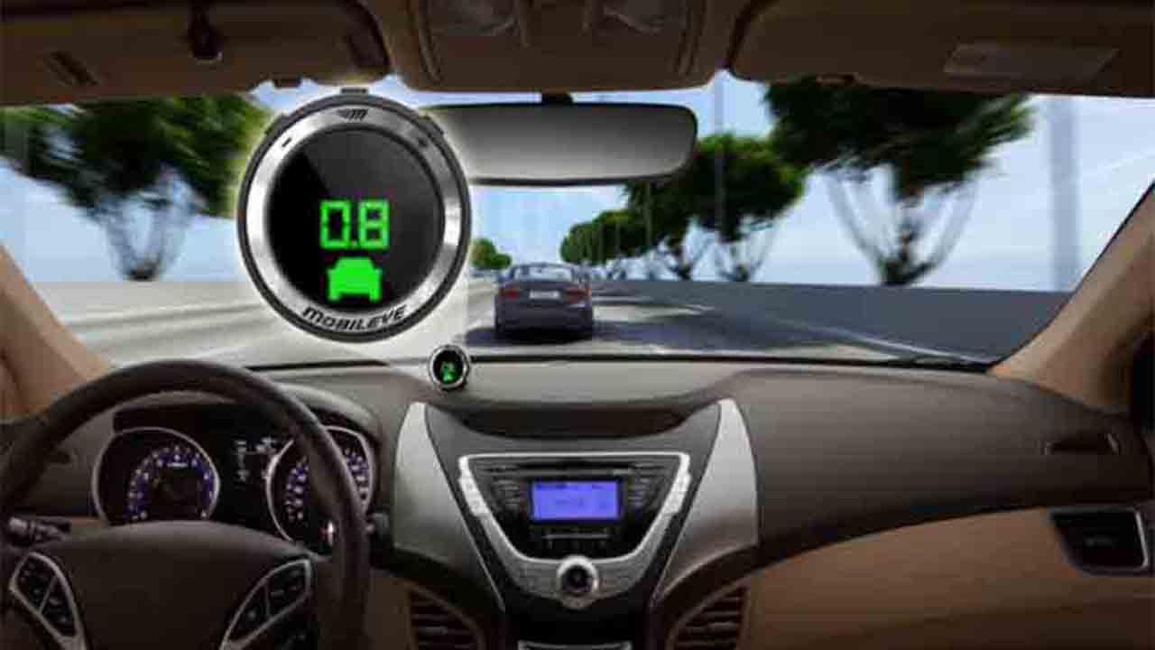 El automóvil Intel Mobileye ignora el semáforo rojo en una prueba