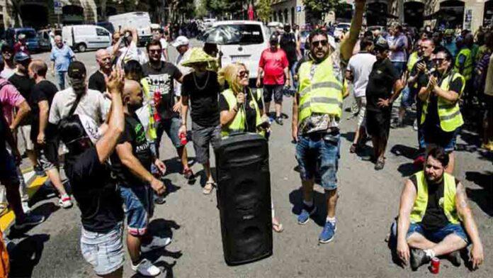 Al no alcanzar un acuerdo, comienza la huelga de Taxis en Barcelona