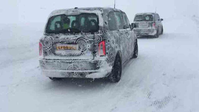 Pruebas del nuevo taxi eléctrico de Londres en el Círculo Polar Ártico