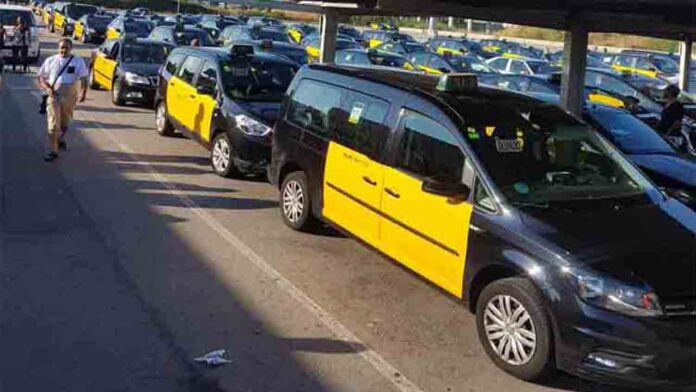 Segunda jornada de movilización del taxi solicitando que se cumpla la Ley