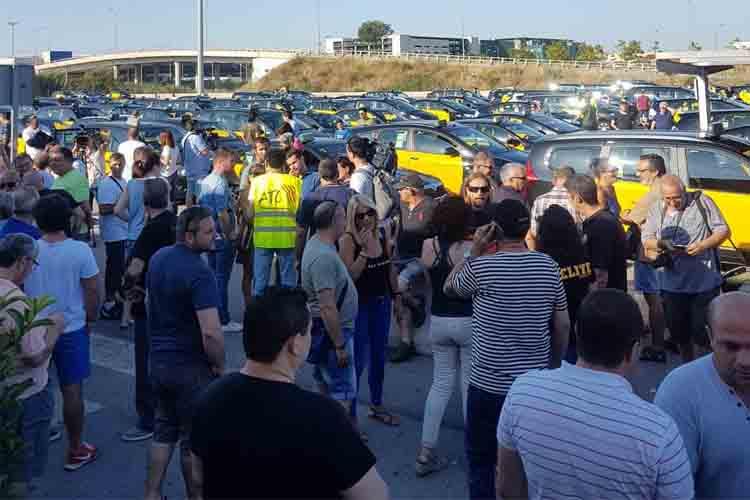 Segunda jornada de movilización del taxi