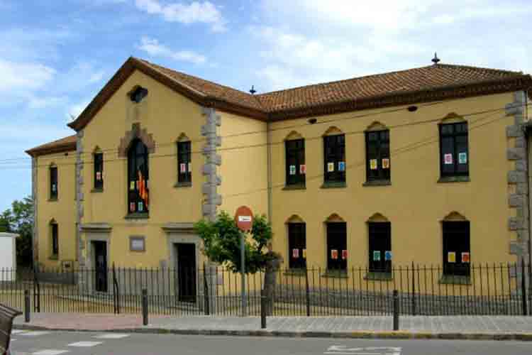 Escoles Francesc Macià para visitar en Vilassar de Dalt