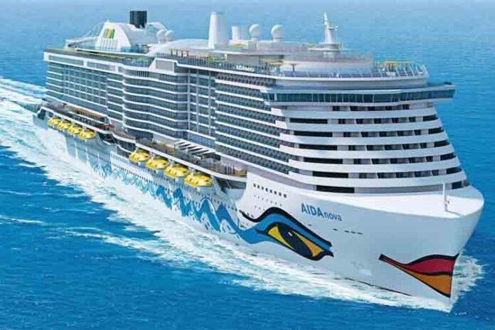 El crucero AIDAnova a gas natural llega al Puerto de Barcelona