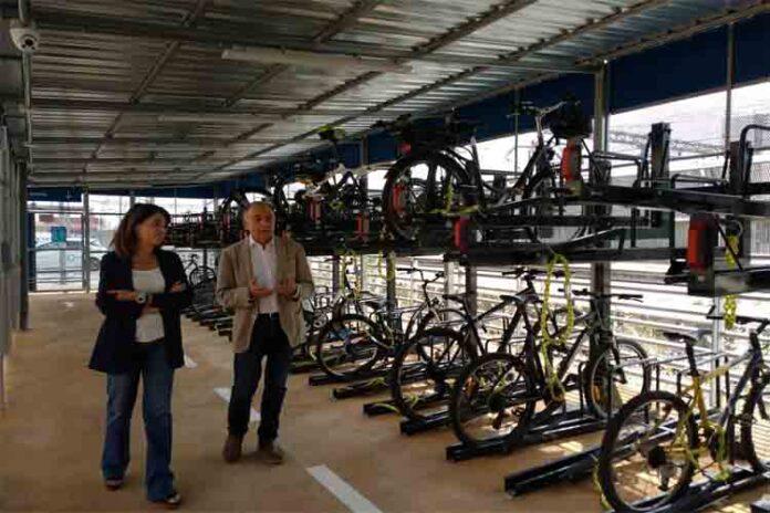 Aparcamiento de gran capacidad para bicicletas en Gavà