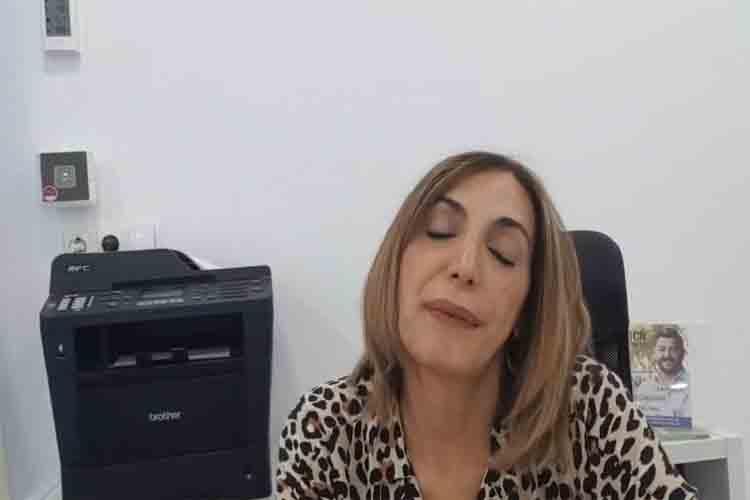 La reina de la noche llama violadores a los taxistas