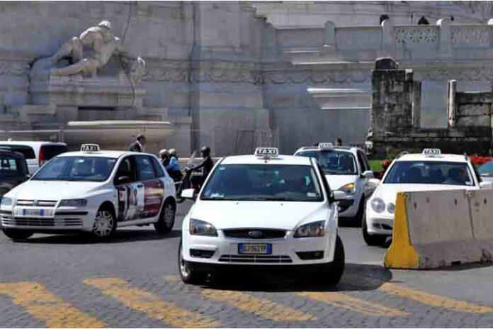 Italia paraliza el transporte ante la inmovilidad del gobierno