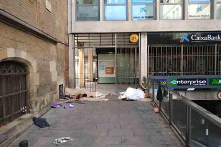 Niños de 12 y 14 años durmiendo en la calle en Barcelona