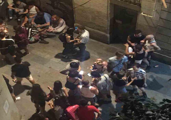 Siguen las peleas en el Raval de Barcelona