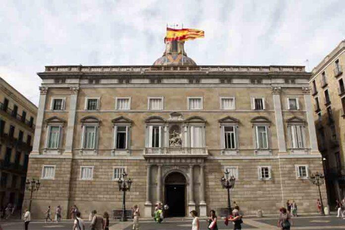 Catalunya dejará trabajar a los funcionarios el 12 de octubre y el 6 de diciembre