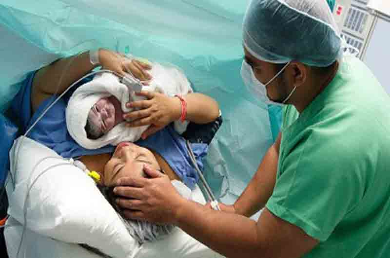 Cosas que no sabías que podrían suceder durante el parto