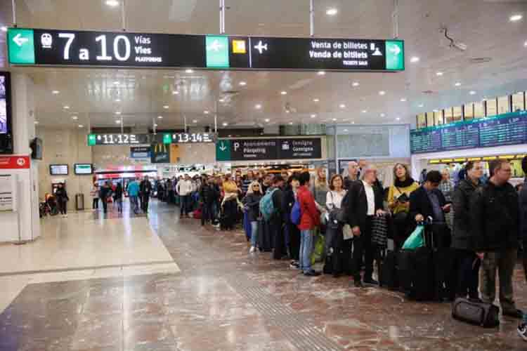 Renfe cancela 360 trenes este fin de semana por la huelga