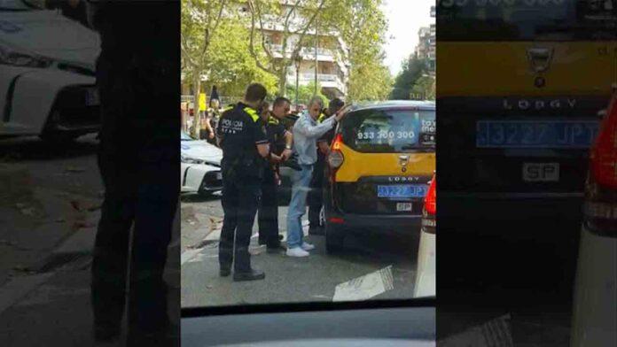 Roba un taxi en Barcelona y lo detienen pasada una hora