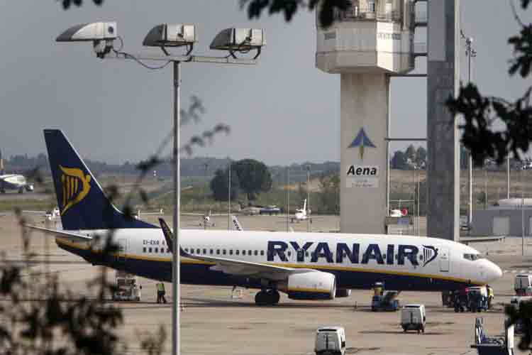 Ryanair dejará de operar en Girona y Canarias