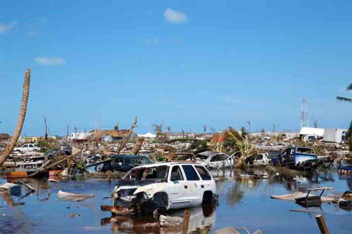Bahamas ofrece vuelos gratuitos para salir de la isla devastada