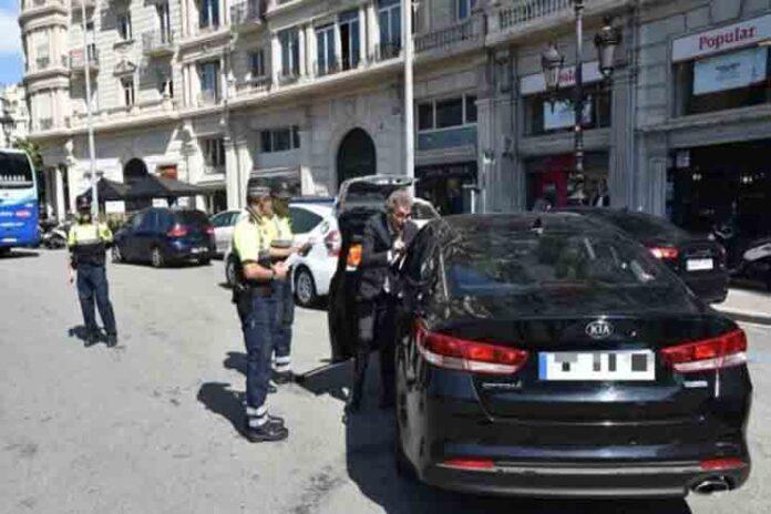 Comienza la caza de infractores de VTC en Barcelona