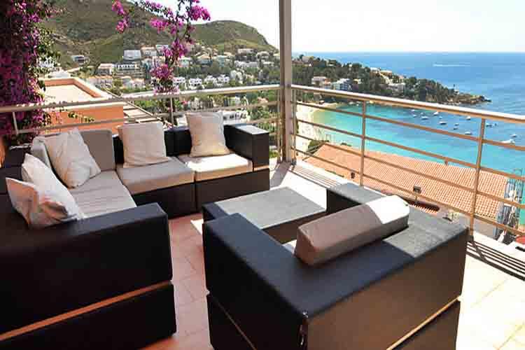 Crece el alojamiento turístico ilegal en la Costa Brava