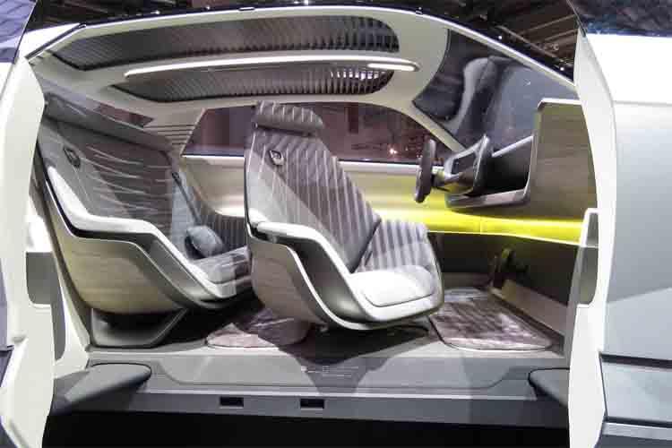El aspecto retro del Hyundai 45 EV Compact evoca al primero de la marca