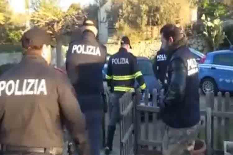 La policía italiana detiene a tres personas por torturar a migrantes