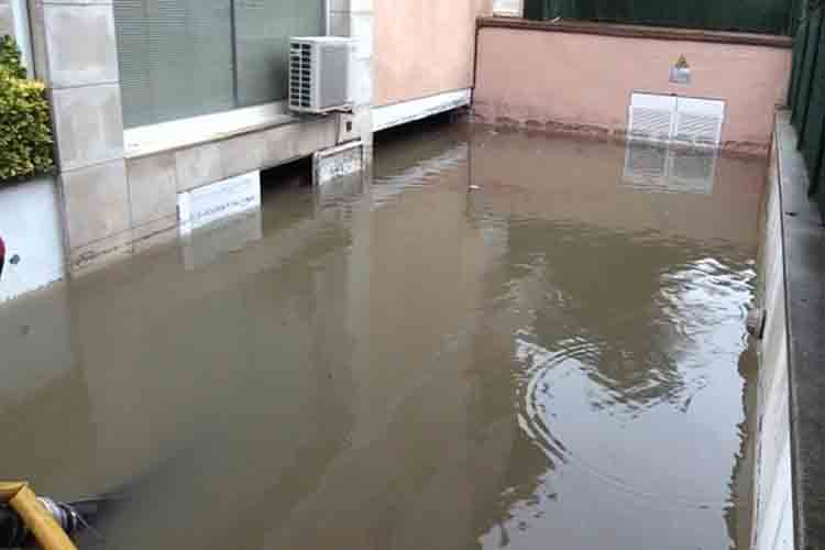 Muere un hombre ahogado en unos bajos inundados en Platja d'Aro