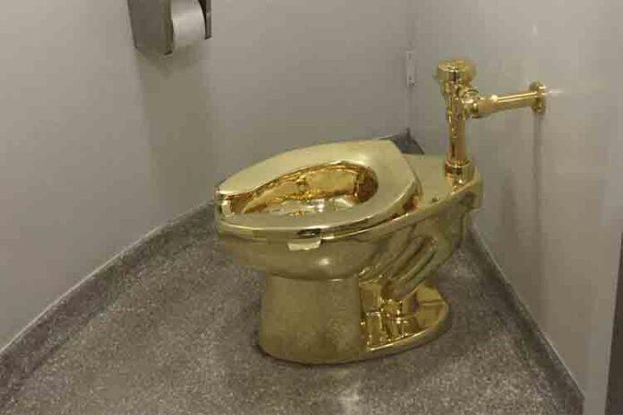 Roban un inodoro de oro macizo valorado en un millón de euros