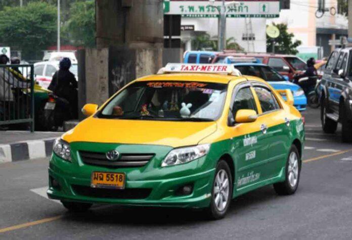 Uber y Lyft quieren invertir 90 millones para evitar dar de alta a los conductores