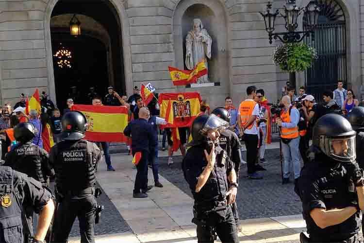 80.000 personas se manifiestan en Barcelona por la unidad de España