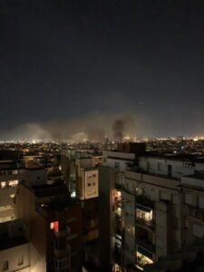 Arde Barcelona: Incendios y barricadas en el centro de la ciudad