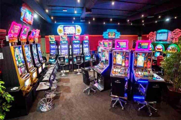Barcelona prohíbe abrir nuevos locales de juego y apuestas para preservar las adicciones