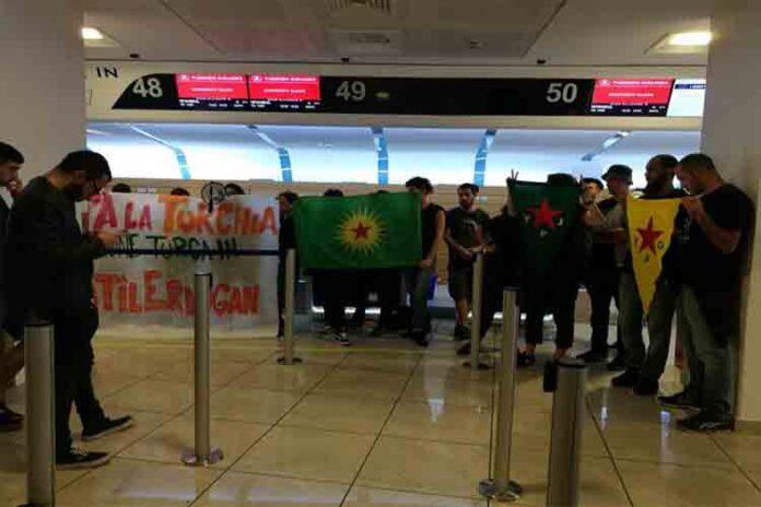 Bloqueados los Check-in de Turkish airlines en los aeropuertos de Barcelona y Nápoles