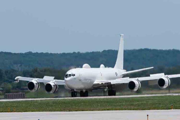 Un solo pájaro derriba el avión 'Doomsday' de la Marina de los EE.UU.