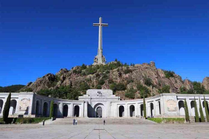 El Supremo levanta las cautelares y da la autorización definitiva para exhumar a Franco