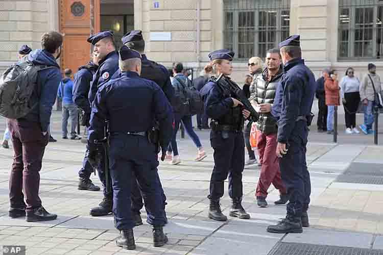 El asesino de los cuatro policías en París tenía vínculos islamistas radicales