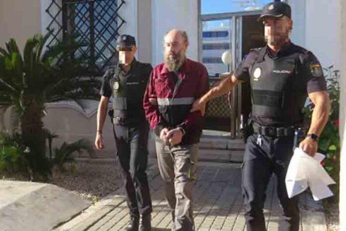 Ingresa en prisión el hombre acusado de degollar a su expareja en Dénia