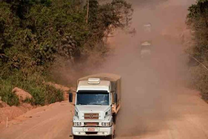 Las carreteras de Amazonas impulsan la economía pero amenazan el medio ambiente