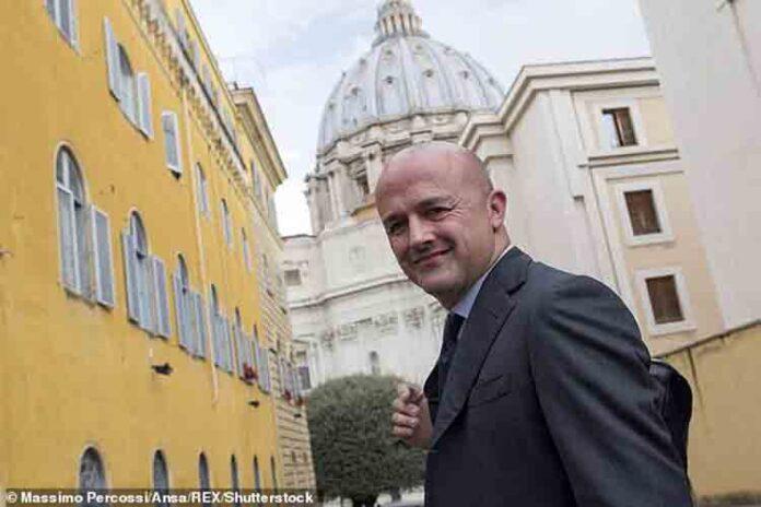 Los escándalos del Vaticano hacen perder 44 millones en donaciones al año