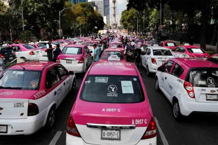 Los taxistas mexicanos paralizan CDMX artos de promesas sin cumplir