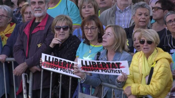 Centenares de miles de personas se manifiestan en Barcelona bajo un lema: Libertad