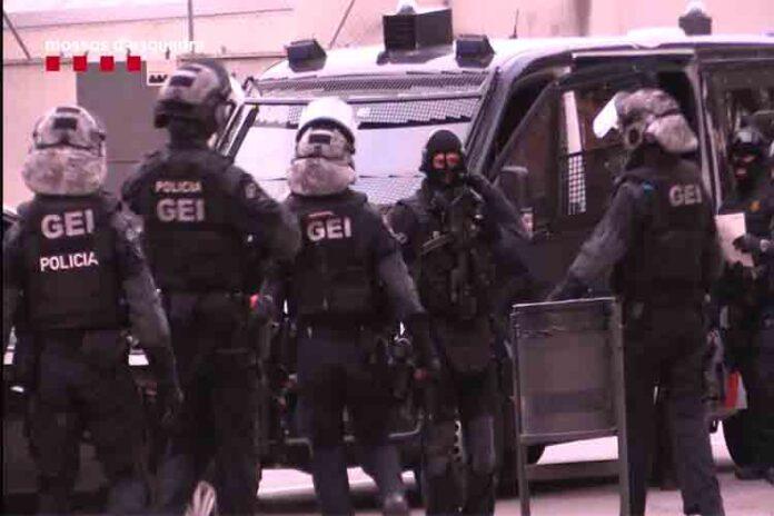 23 detenidos por robar la mercancía de los camiones en las autopistas