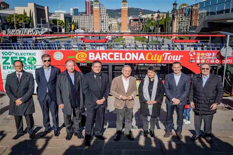 Barcelona incorpora el primer bus turístico de doble piso 100% eléctrico en España