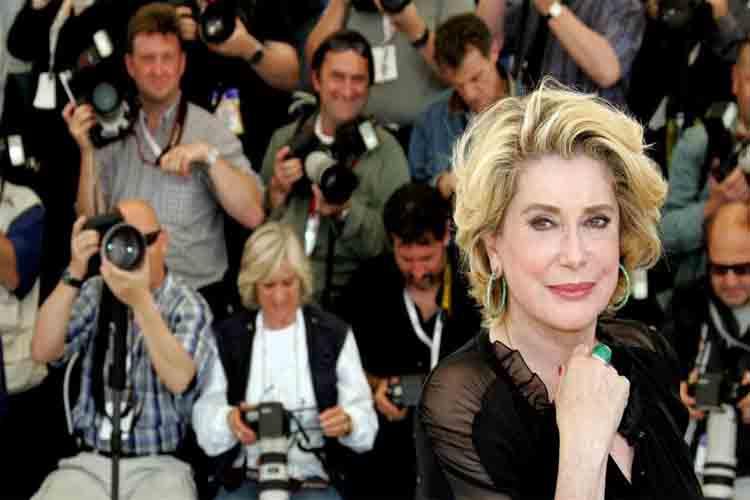 Catherine Deneuve hospitalizada en estado grave por un golpe de fatiga