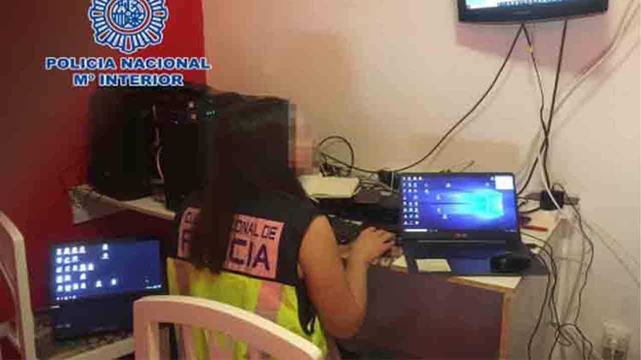 Desarticulado un grupo que pirateaba canales de pago de TV