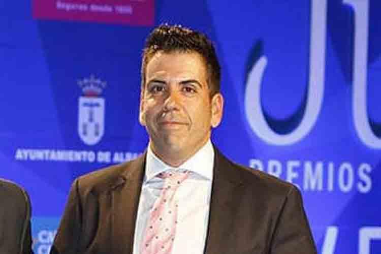 Dimite un dirigente de Vox después de defraudar 1,7 millones de euros