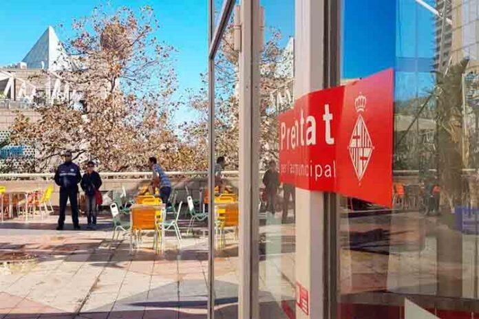 El Ayuntamiento de Barcelona precinta la discoteca Pachá del Port Olímpic