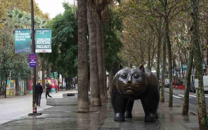 El Raval de Barcelona estrena espacios de uso vecinal e infantil
