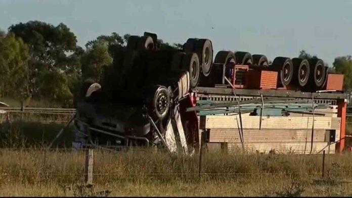 Fallece un camionero en un vuelco en una autopista de Melbourne