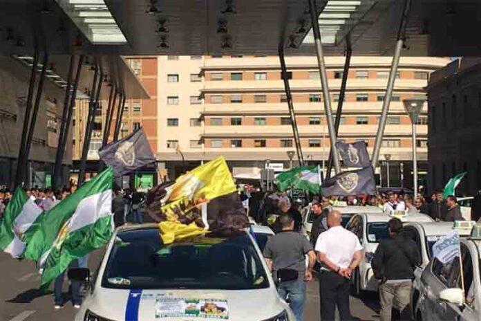 La Federación Andaluza de Autónomos del Taxi crea desconfianza en los taxistas