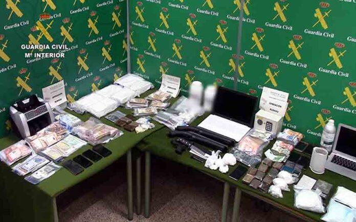 La Guardia Civil desmantela una organización dedicada al narcotráfico y detiene a 33 personas