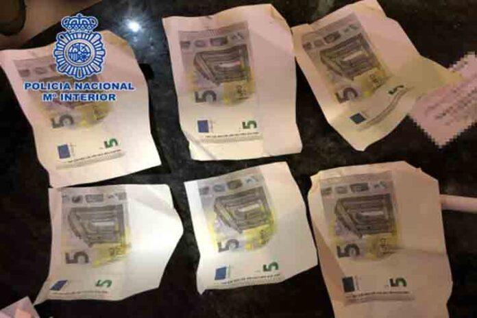 La Policía desmantela en Granada una imprenta de billetes falsos de cinco euros