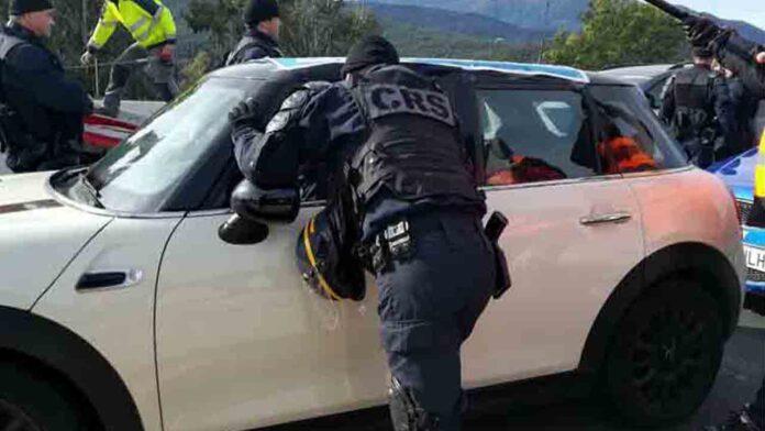 La Policía Francesa, Guardia Civil, Mossos y Policía Nacional en La Jonquera